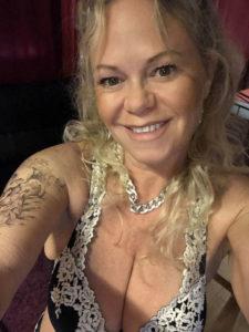 Andrea-escort-geneve-mature-gros-seins-floppy