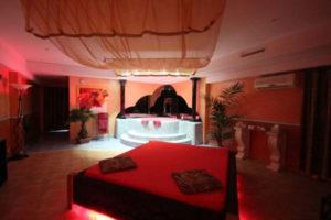 Club-Aphrodite-Roche-chambres-erotiques