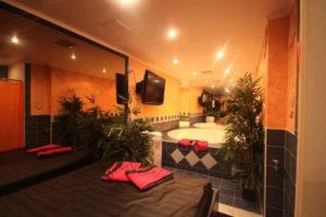 Club-Aphrodite-Roche-chambres-erotiques-pour-couples-ou-escort