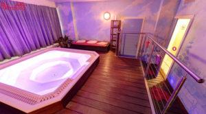 Venusia-Geneve-salon-massage-escorts-022-jacuzzi