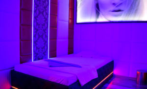 8-eme-ciel-geneve-salon-erotique-paquis-hotesses-020